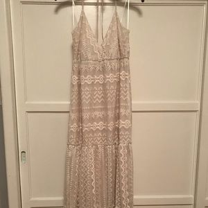 WILLOW & CLAY CREAM EMBROIDERED CHIFFON MAXI DRESS